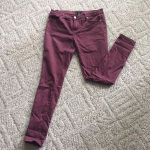 Maroon forever21 skinny jeans size 29